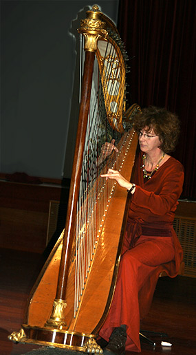 Paola Chatelle & harp